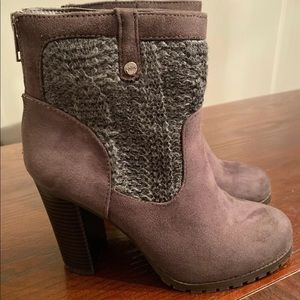 Juicy couture faux suede booties size 7